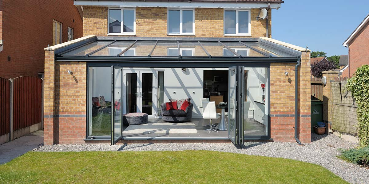 Glass Fronted Lean-To Conservatory
